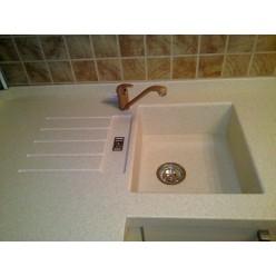 Стільниця з штучного каменю з вбудованою мийкою